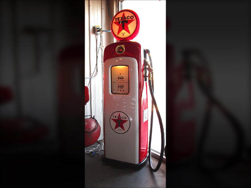1950 1950's Martin & Schwartz Gas Pump